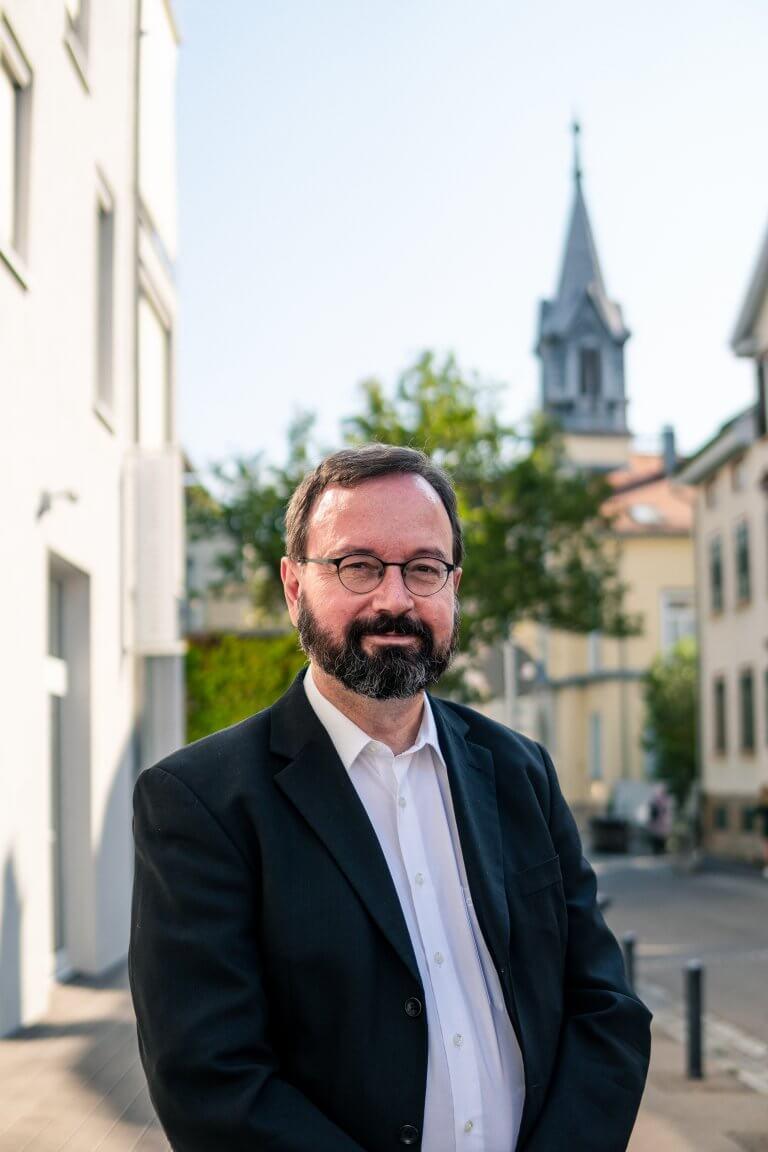 Dr. Bernd Villhauer