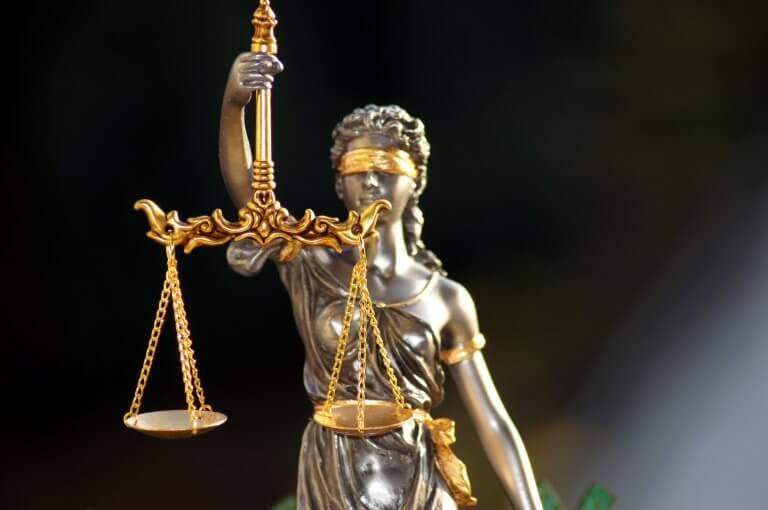 Freiheiten für Geimpfte: Zwischen Grundrechten und Gerechtigkeit